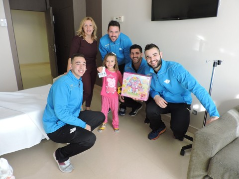 Visit from the Benidorm handball Club players to IMED Levante
